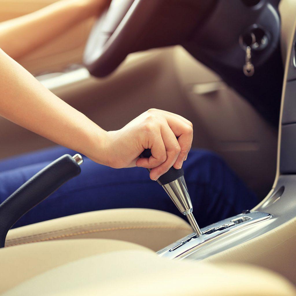 Как ухаживать за автоматической коробкой передач?