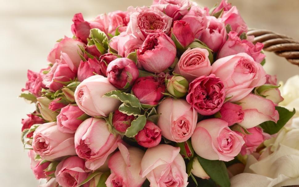 Какие цветы подарить на именины?