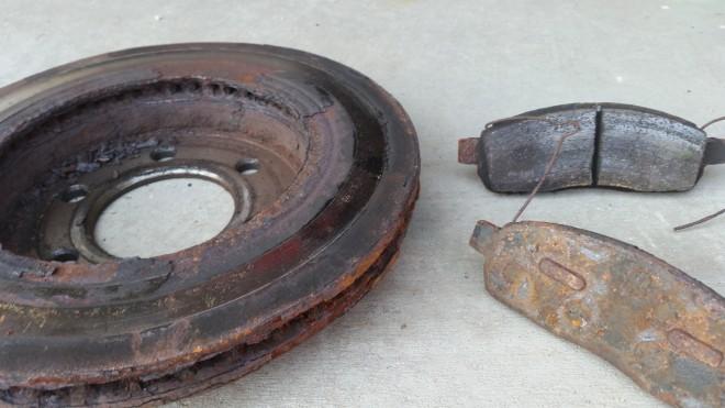 Когда тормоза машины нуждаются в ремонте ?