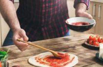 Как приготовить домашнюю пиццу? Пошаговая инструкция