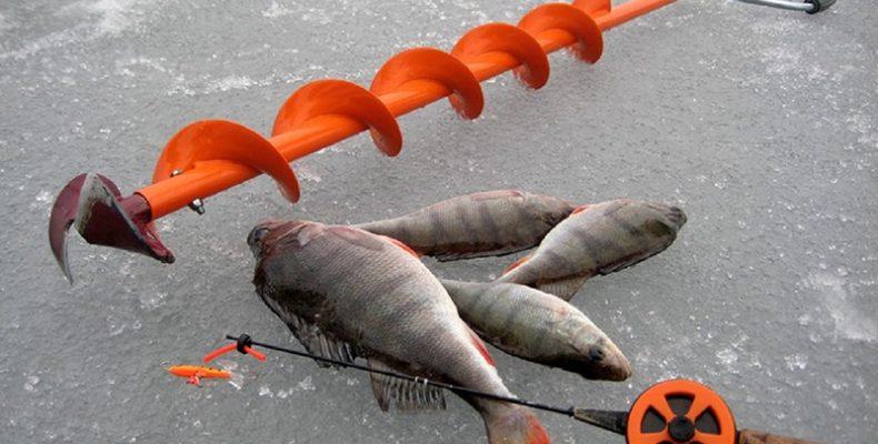 Ледоруб для зимней рыбалки