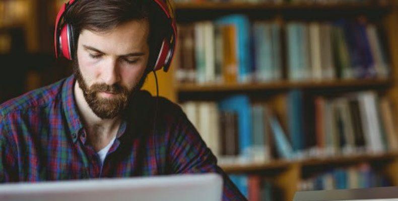 Почему стоит слушать музыку?